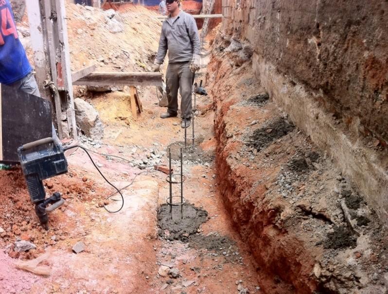 Demolidora e Terraplenagem Preço Indianópolis - Demolição de Imóvel