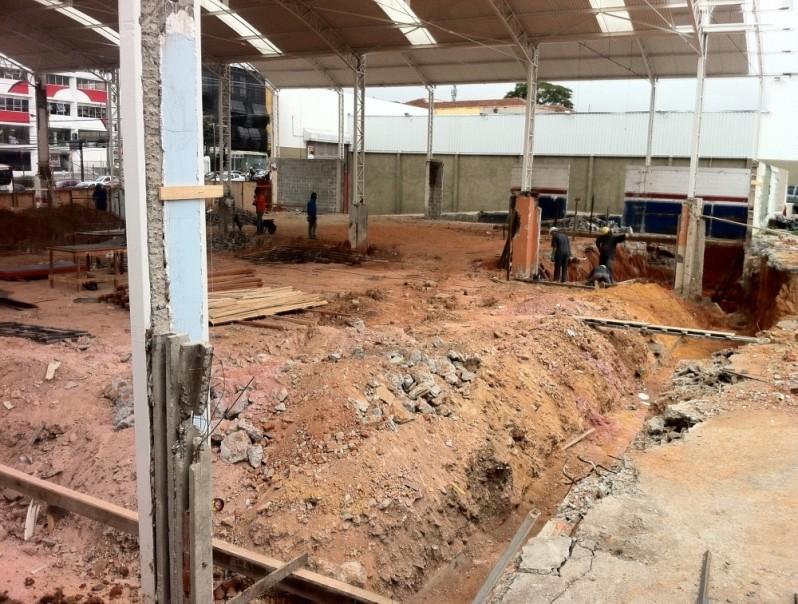 Empresa de Reformas para Banheiros Pequenos no Jardim Santo Antônio de Pádua - Reformas em Residências