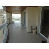 aplicação de piso em residência na Chácara Flora