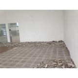 aplicação de piso em residência
