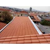 construção de telhado de zinco