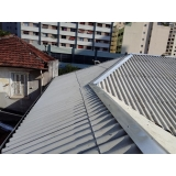 construção de telhado embutido