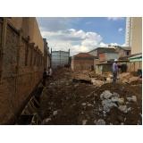 demolidora de edifícios no Jardim Bom Clima