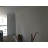 gesso na parede na Industrial