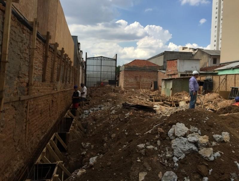 Empresa de Demolição de Casas no Jardim Primavera - Demolição de Galpão