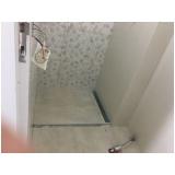 aplicação de pisos e azulejos para banheiro no Parque Marajoara I e II