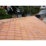 construção de telhado em madeira
