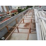 construção de telhado para área