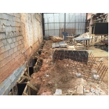 demolição de grande porte em São Domingos